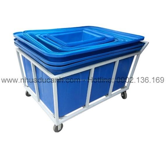 Xe đẩy thùng nhựa dung tích lớn KT : 128 x 101 x 70 cm