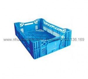 quy-trinh-san-xuat-thung-nhua-rong-HS016-300x270